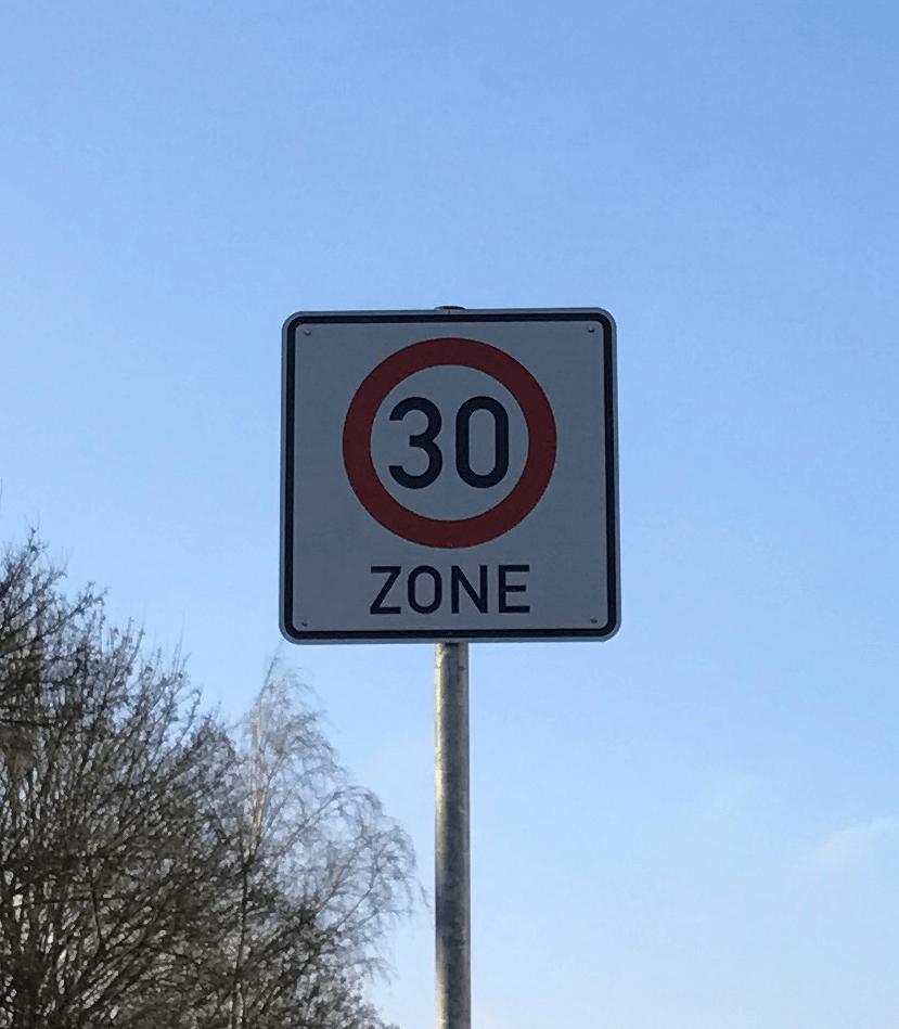 Verkehrszeichen einer Tempo-30-Zone